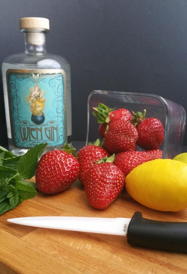 Gin, Erdbeeren, Minze, Limquat
