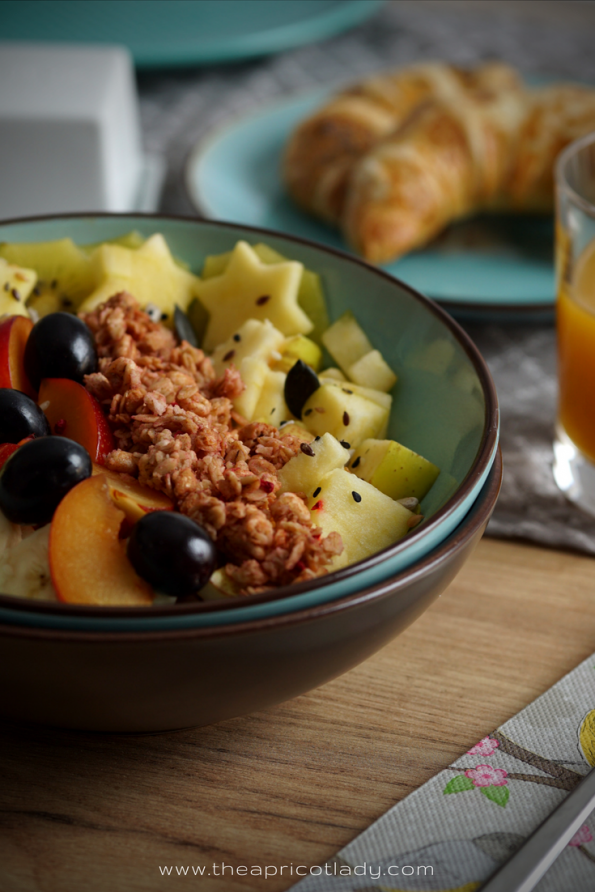 Obstsalat zum Frühstück oder als gesunder Bürosnack