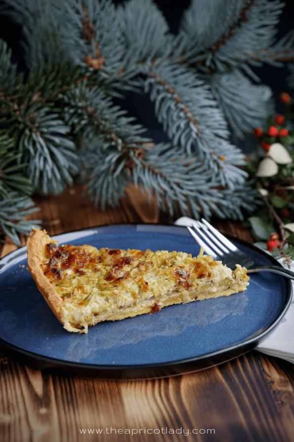 Winterliche Quiche mit Speck, Kräuter, Apfel & Zwiebel #rezepte #essen #quiche #tarte #backen