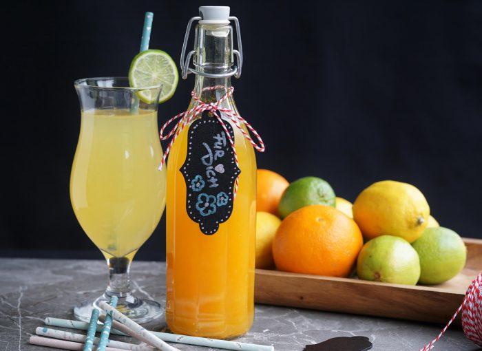 erfrischenden Orangen-Zitronen Sirup einfach selbst machen #sirup #orange #orangeade #limo #vegan