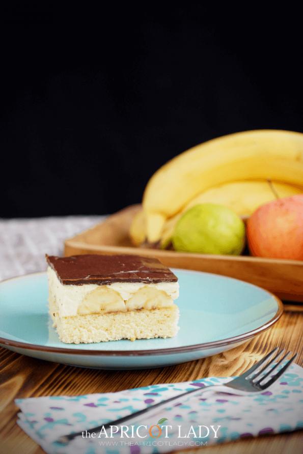 Wer mag sie nicht, die herrlich cremige Bananenschnitte? Rezept und Anleitung für einfaches nachbacken. #Bananenschnitte #dessert #backen #nachtisch #kuchen