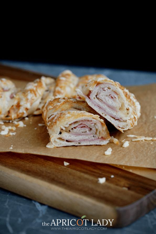 Rezept & Anleitung für Schinken-Käsestangerl mit Dinkelmehl #brotzeit #backen #käse #schinken #dinkel