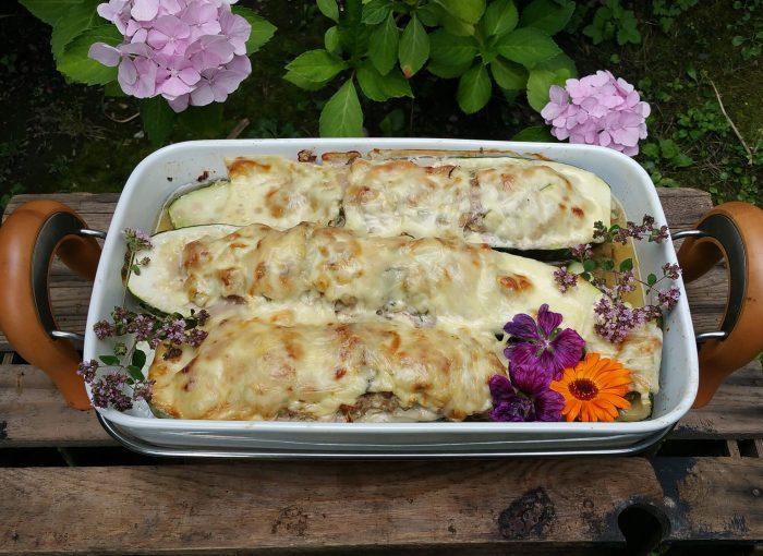 gefüllte Zucchini - 2 Varianten vegetarisch & mit Fleisch