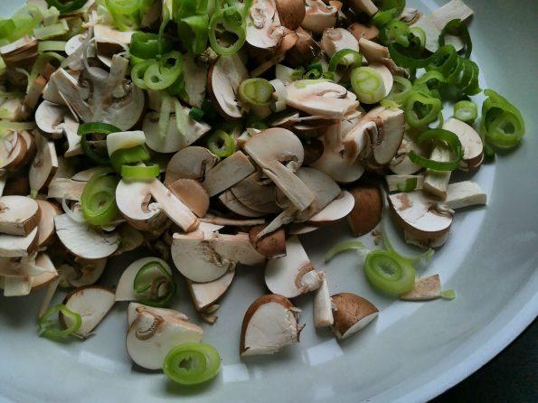 Pilztaschen - Pfanne mit Pilzen