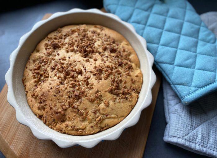 Einfacher Apfelkuchen frisch aus dem Ofen
