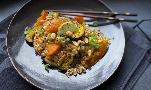 Erdnuss-Curry mit Ofengemüse
