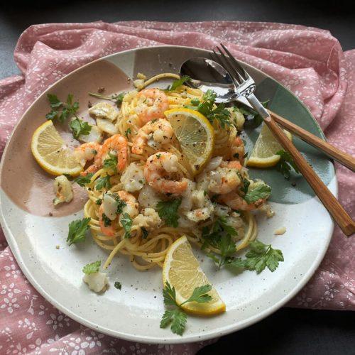 Lemon Garlic Seafood Pasta