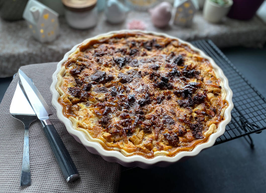 Apfel-Birnen Tarte mit Cookie-Topping - The Apricot Lady